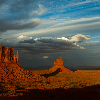 Sunset at The Mittens, Monument Valley | ZEISS DISTAGON F2.8 25MM