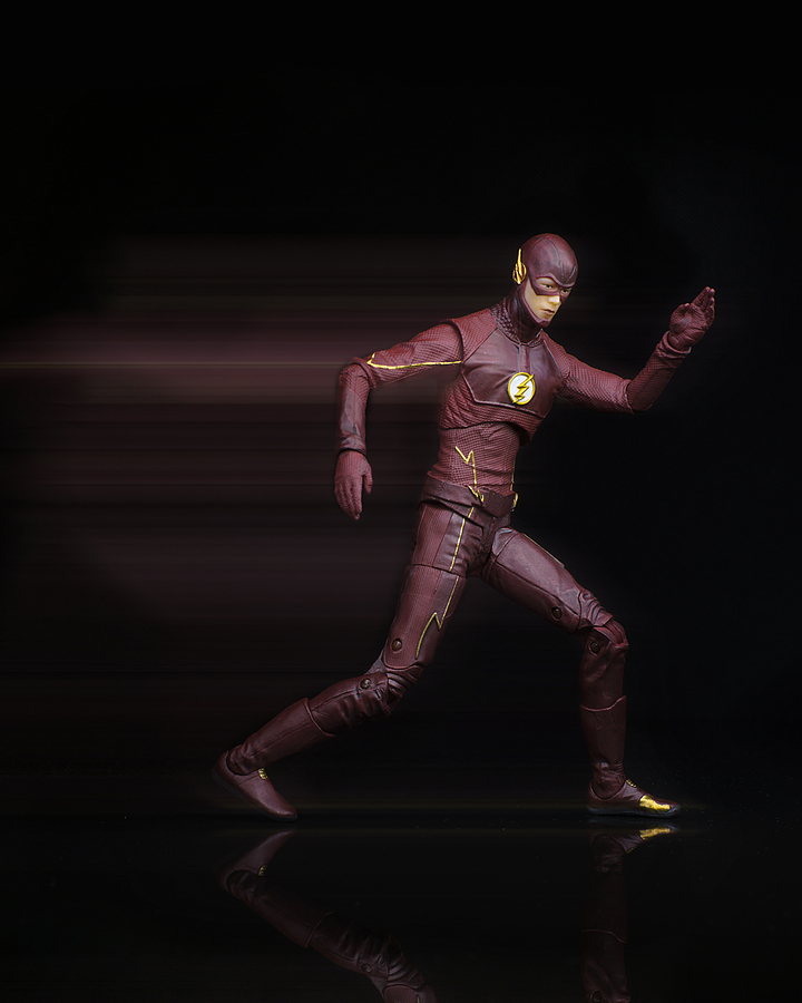 DC Collectibles: The Flash | ZEISS TOUIT F1.8 32MM <br> Click image for more details, Click <b>X</b> on top right of image to close