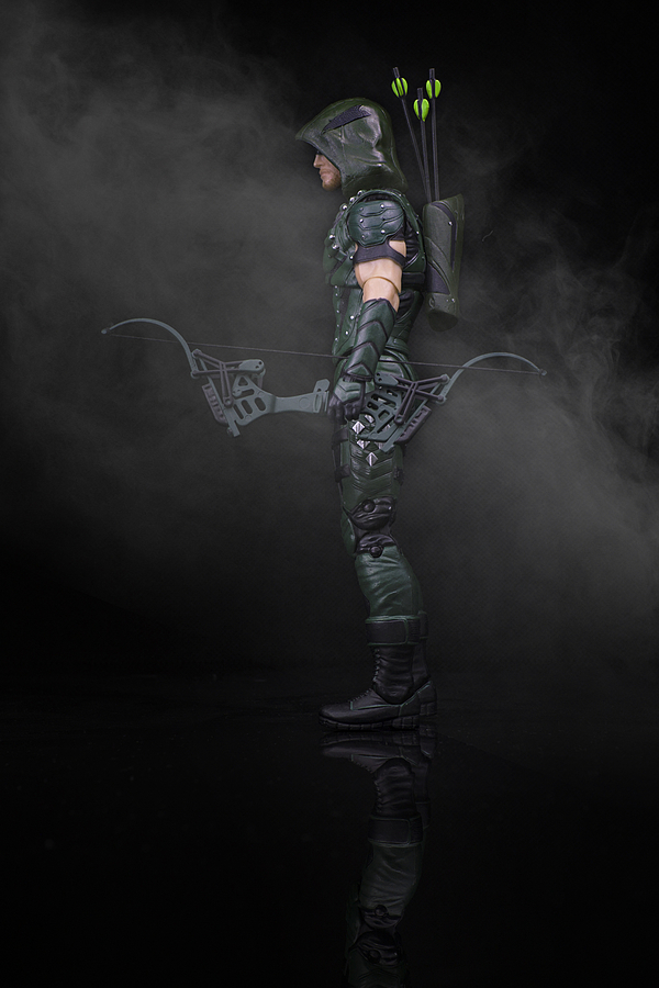 DC Collectibles: Arrow | ZEISS TOUIT F1.8 32MM <br> Click image for more details, Click <b>X</b> on top right of image to close