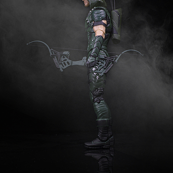 DC Collectibles: Arrow | ZEISS TOUIT F1.8 32MM