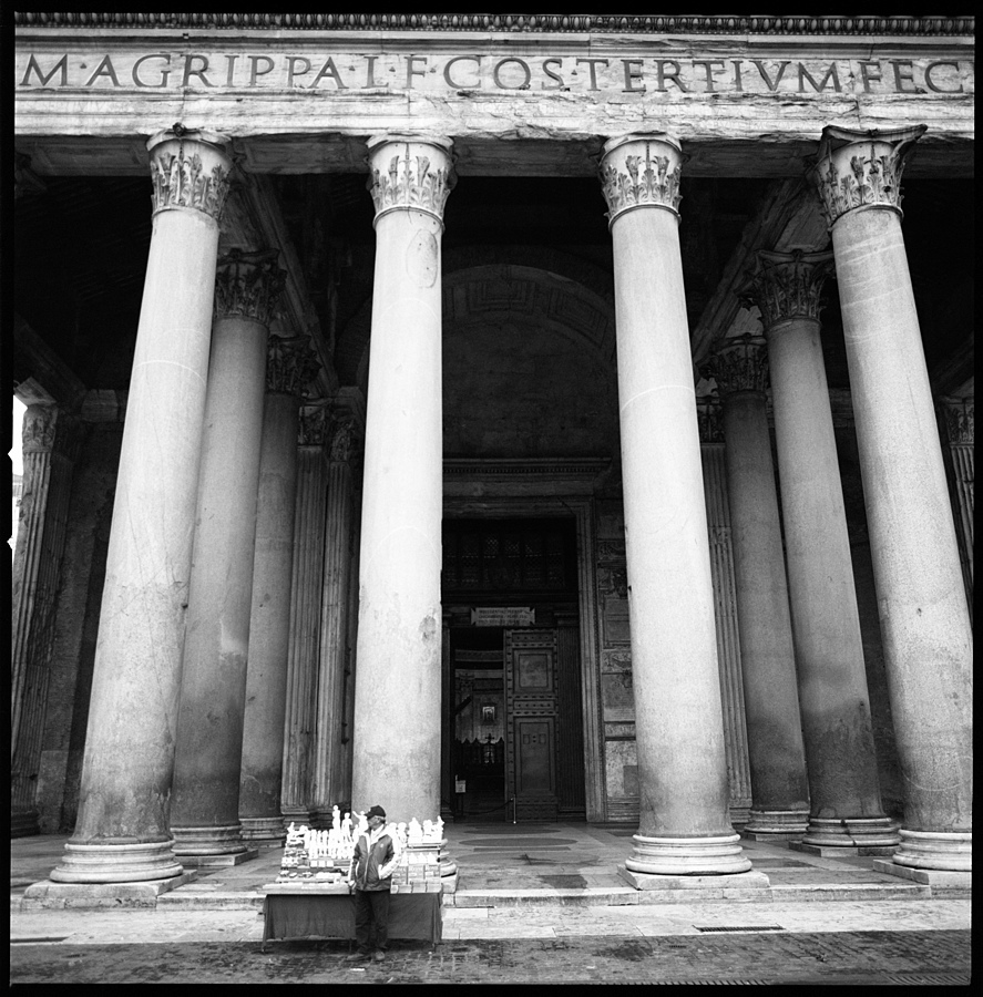 Pantheon, Roma | ZEISS CF DISTAGON 4/50 <br> Click image for more details, Click <b>X</b> on top right of image to close
