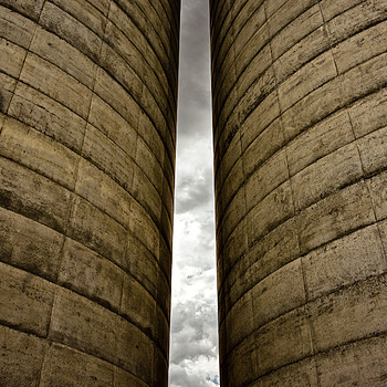 Kansas Silos | ZEISS ZA VARIO-SONNAR F2.8 24–70MM <br> Click image for more details, Click <b>X</b> on top right of image to close