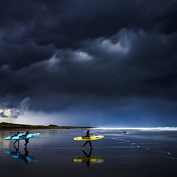 One last surf before the heavens open.... | ZEISS ZEISS SONNAR 35MM F2
