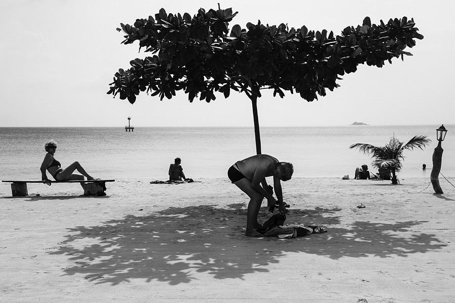 Beachgoers, Koh Phangan | ZEISS TOUIT F1.8 32MM <br> Click image for more details, Click <b>X</b> on top right of image to close