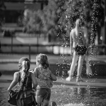 Oslo summer | ZEISS APO SONNAR F2 135MM <br> Click image for more details, Click <b>X</b> on top right of image to close