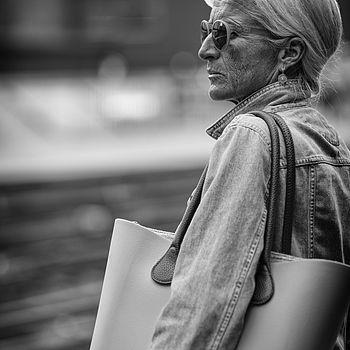 Subway portrait #X | ZEISS APO SONNAR F2 135MM <br> Click image for more details, Click <b>X</b> on top right of image to close
