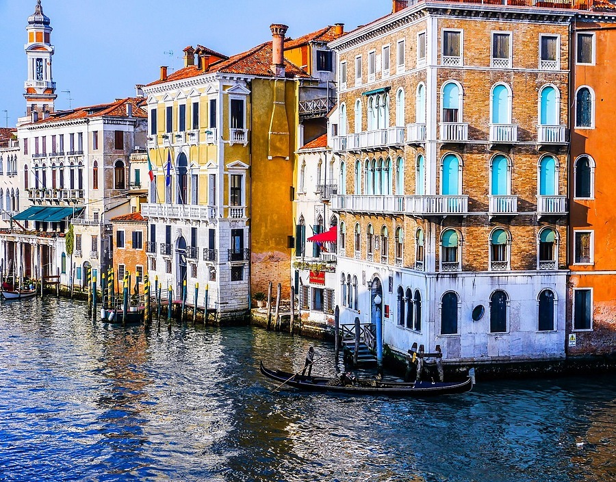 Watercolor in Venice | ZEISS VARIO-TESSAR 16-70MM F4 ZOOM <br> Click image for more details, Click <b>X</b> on top right of image to close