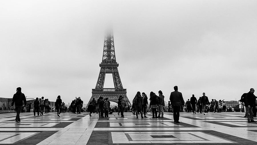 Foggy day in Paris | ZEISS SONNAR 24MM F1.8 <br> Click image for more details, Click <b>X</b> on top right of image to close