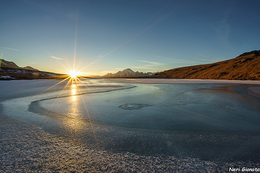 Sunset on ice | ZEISS VARIO-TESSAR T* FE 16-35MM F4 ZA OSS <br> Click image for more details, Click <b>X</b> on top right of image to close