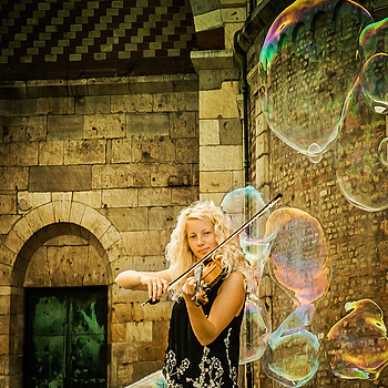 Bubble Girl | ZEISS ZA VARIO-SONNAR F2.8 16–35MM <br> Click image for more details, Click <b>X</b> on top right of image to close
