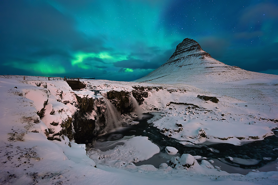 Kirkjufell aurora | ZEISS VARIO-TESSAR T* FE 16-35MM F4 ZA OSS <br> Click image for more details, Click <b>X</b> on top right of image to close