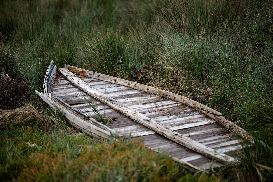 Ruined Boat, Illa de Arousa, Galicia, Spain | ZEISS APO SONNAR F2 135MM <br> Click image for more details, Click <b>X</b> on top right of image to close