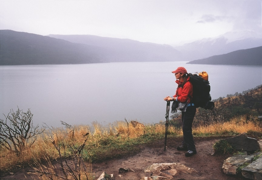 Backpacker. Lago Grey. Patagonia, Chile. | ZEISS ZM BIOGON F2.0 35MM <br> Click image for more details, Click <b>X</b> on top right of image to close