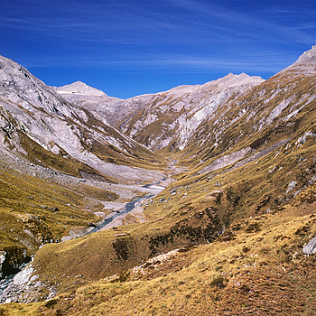 Snowy Creek. Mt.Aspiring Nat. Park, NZ. | ZEISS G BIOGON 21MM F2.8 <br> Click image for more details, Click <b>X</b> on top right of image to close