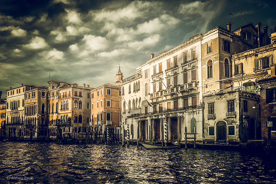 Venice Etude #4600 | ZEISS OTUS DISTAGON 28MM 1.4 <br> Click image for more details, Click <b>X</b> on top right of image to close