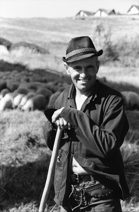 Romanian Shepherd | ZEISS OTUS DISTAGON 55MM F1.4 <br> Click image for more details, Click <b>X</b> on top right of image to close