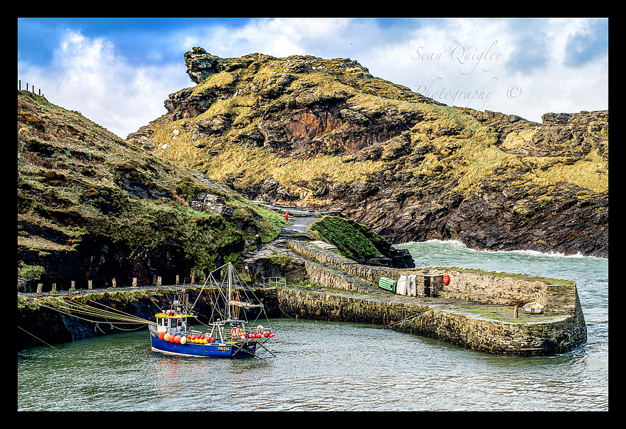 Boscastle harbour | ZEISS OTUS APO PLANAR 85MM F1.4 <br> Click image for more details, Click <b>X</b> on top right of image to close