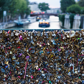 Love Locks above the Seine | ZEISS SONNAR 55MM F1.8 FE ZA