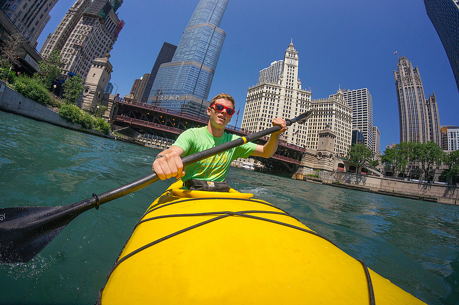 Rowing on the Chicago River | LENS MODEL NOT SET <br> Click image for more details, Click <b>X</b> on top right of image to close