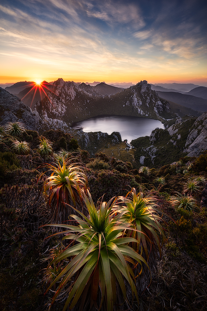Lake Oberon, Southwest National Park, Tasmania | ZEISS VARIO-TESSAR T* FE 16-35MM F4 ZA OSS <br> Click image for more details, Click <b>X</b> on top right of image to close