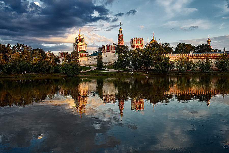 Novodevichy Convent | ZEISS ZA VARIO-SONNAR F2.8 24–70MM <br> Click image for more details, Click <b>X</b> on top right of image to close