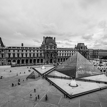 The Louvre | ZEISS TOUIT F2.8 12MM