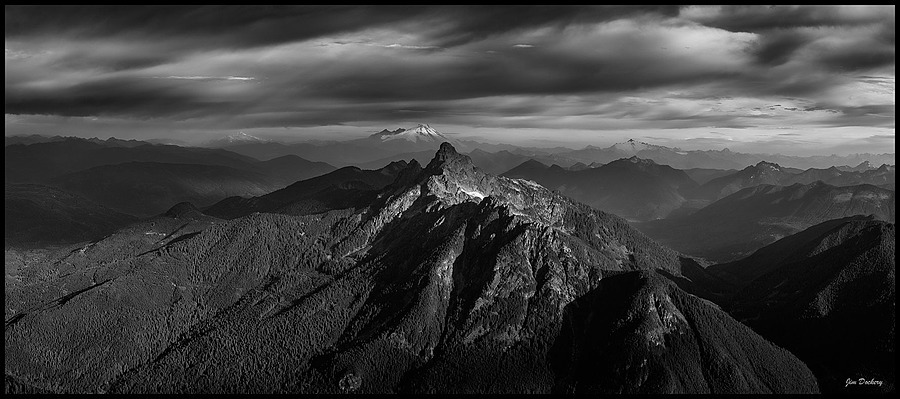 Sunrise from Mt. Pugh, B&W Panorama | ZEISS SONNAR 55MM F1.8 FE ZA <br> Click image for more details, Click <b>X</b> on top right of image to close