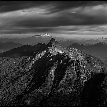 Sunrise from Mt. Pugh, B&W Panorama | ZEISS SONNAR 55MM F1.8 FE ZA