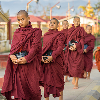 Monks collecting alms | ZEISS 85MM F1.8 SONNAR
