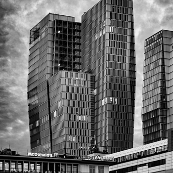 Jumeirah Frankfurt | ZEISS SONNAR 55MM F1.8 FE ZA <br> Click image for more details, Click <b>X</b> on top right of image to close