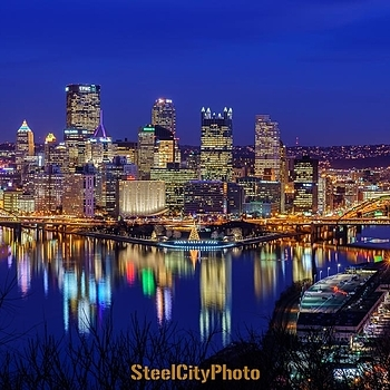 Pittsburgh at Christmas Time | ZEISS 85MM F1.8 SONNAR <br> Click image for more details, Click <b>X</b> on top right of image to close
