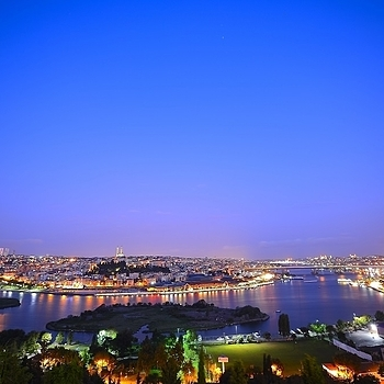 View over Istanbul. | ZEISS DISTAGON F2.8 15MM