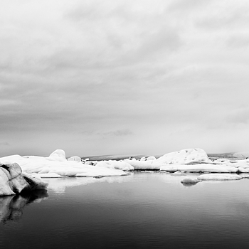 Glacier Lagoon | ZEISS DISTAGON F2 25MM