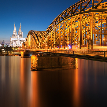 Köln | ZEISS VARIO-TESSAR T* FE 16-35MM F4 ZA OSS <br> Click image for more details, Click <b>X</b> on top right of image to close
