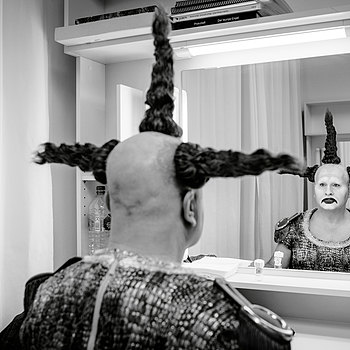 Kevin Conners - Feuriger Engel, Bayr. Staatsoper 2015 | ZEISS DISTAGON 35MM F1.4 FE ZA <br> Click image for more details, Click <b>X</b> on top right of image to close