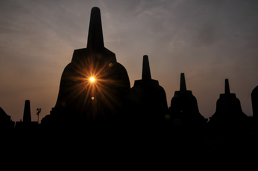 Borobudur temple | LENS MODEL NOT SET <br> Click image for more details, Click <b>X</b> on top right of image to close