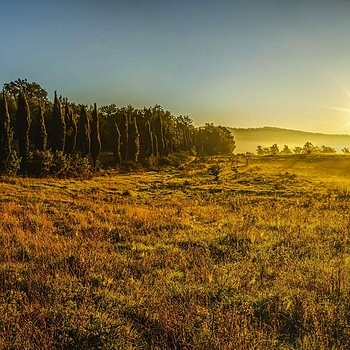 Tuscany Sunrise | ZEISS LOXIA 21MM F2.8 DISTAGON T* <br> Click image for more details, Click <b>X</b> on top right of image to close