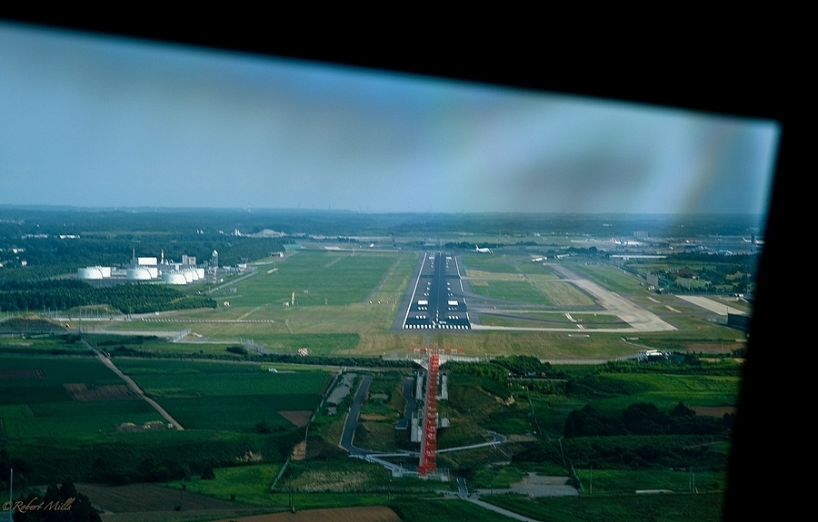 Narita Landing coming home | LENS MODEL NOT SET <br> Click image for more details, Click <b>X</b> on top right of image to close