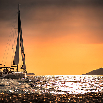 Sunset sailing | LENS MODEL NOT SET <br> Click image for more details, Click <b>X</b> on top right of image to close
