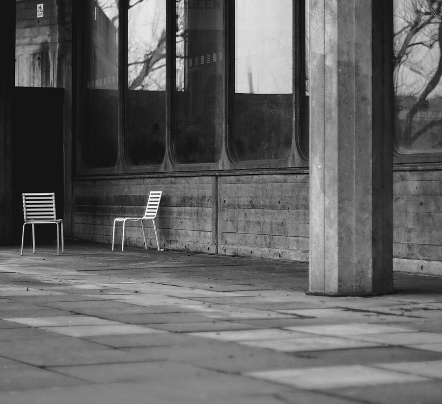 chair | ZEISS CY PLANAR 50MM F1.4 <br> Click image for more details, Click <b>X</b> on top right of image to close