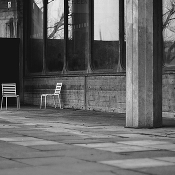 chair | ZEISS CY PLANAR 50MM F1.4