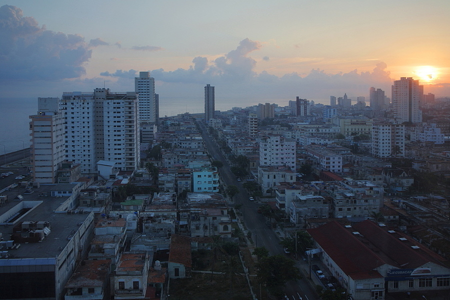 Sunrise over Havana | LENS MODEL NOT SET <br> Click image for more details, Click <b>X</b> on top right of image to close
