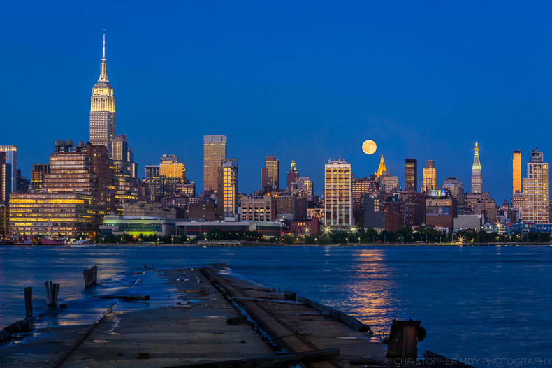Blue Moon over NYC | LENS MODEL NOT SET <br> Click image for more details, Click <b>X</b> on top right of image to close