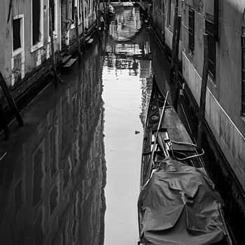 Venice B/W 1 | ZEISS DISTAGON F1.4 35MM <br> Click image for more details, Click <b>X</b> on top right of image to close