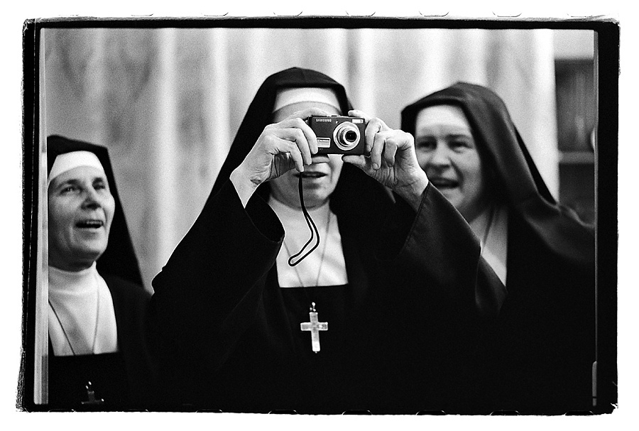 Nuns | ZEISS MAKRO PLANAR F2.0 100MM <br> Click image for more details, Click <b>X</b> on top right of image to close