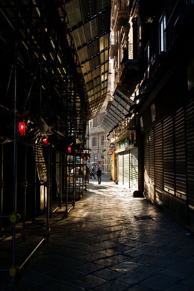 Palermo Alley | ZEISS ZM BIOGON F2.8 25MM <br> Click image for more details, Click <b>X</b> on top right of image to close