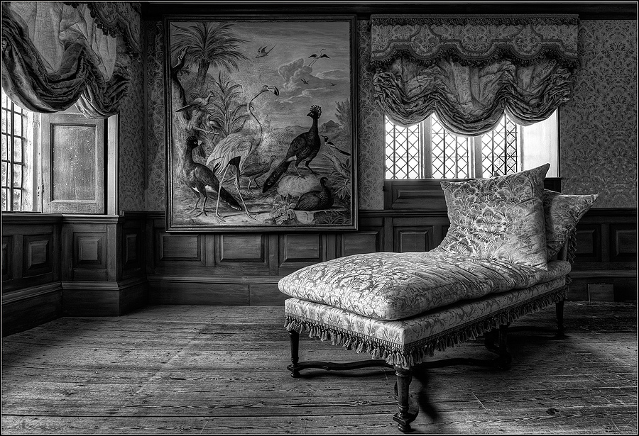 La Chaise Longue | ZEISS DISTAGON F2.8 21MM <br> Click image for more details, Click <b>X</b> on top right of image to close