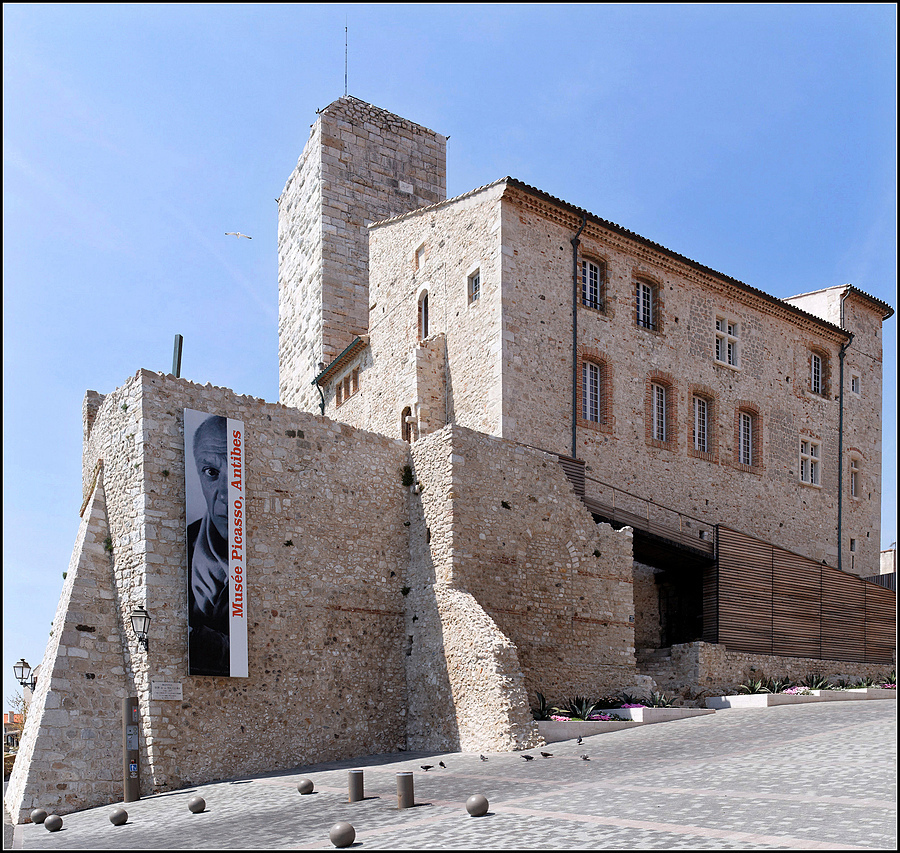 Musee Picasso, Antibes, Cotes d'Azur, France | ZEISS DISTAGON F2.8 21MM <br> Click image for more details, Click <b>X</b> on top right of image to close