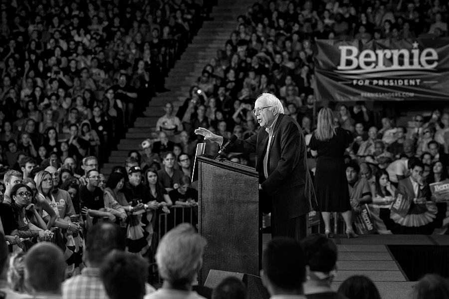 Bernie Sanders speaks at rally - Houston, TX 2015 | LENS MODEL NOT SET <br> Click image for more details, Click <b>X</b> on top right of image to close