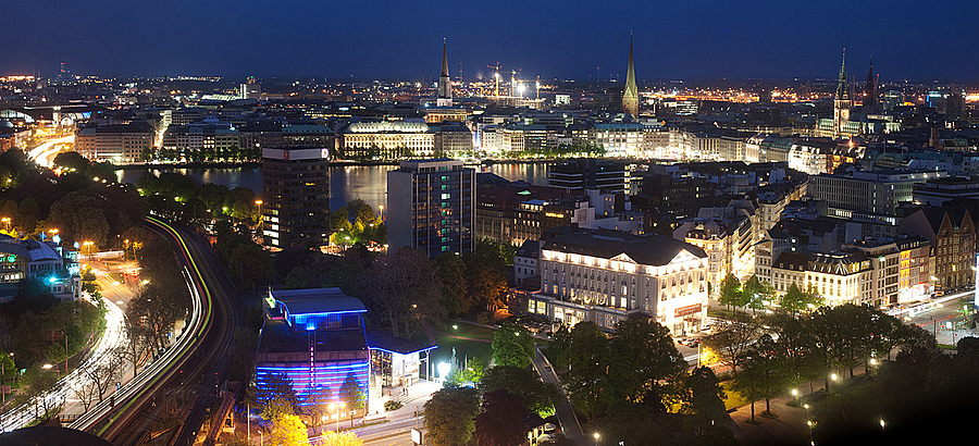 Hamburg City by night | ZEISS ZA VARIO-SONNAR F2.8 24–70MM <br> Click image for more details, Click <b>X</b> on top right of image to close